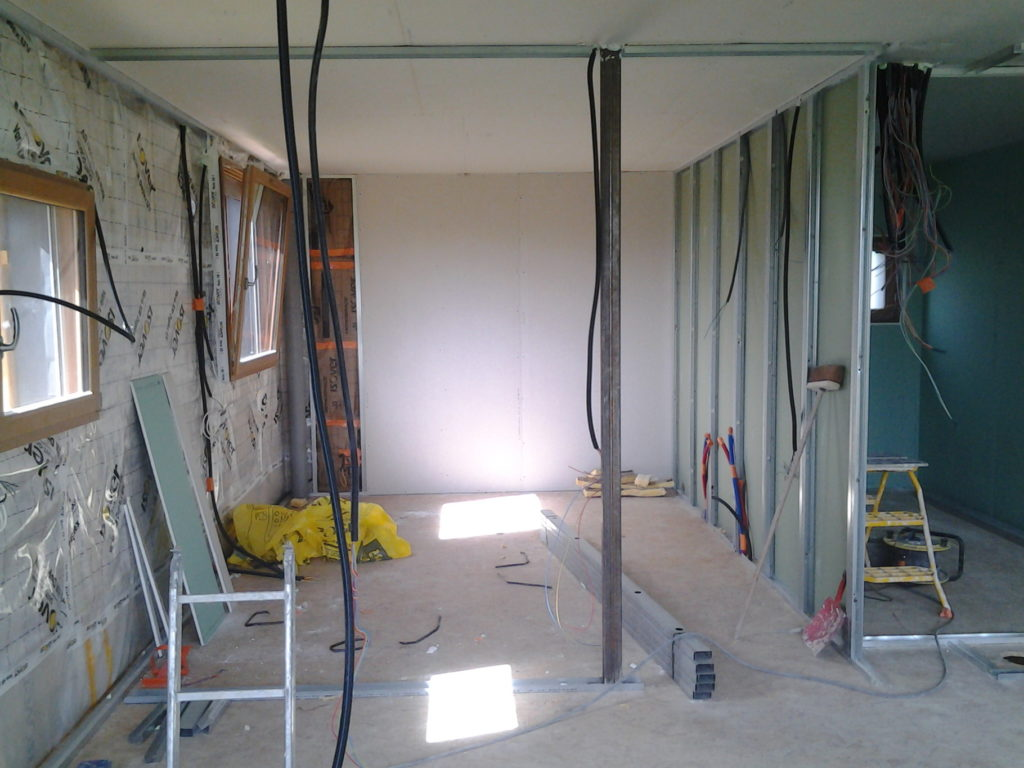 Installation porte bois for Installation porte de garage enroulable