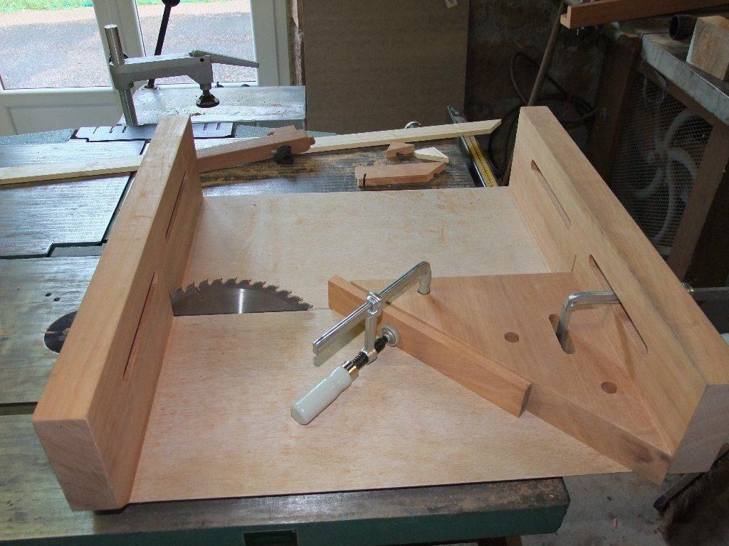 scie pour couper bois