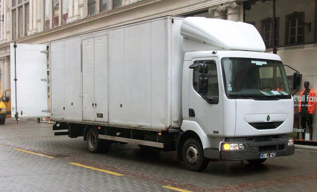 camion renault midlum occasion