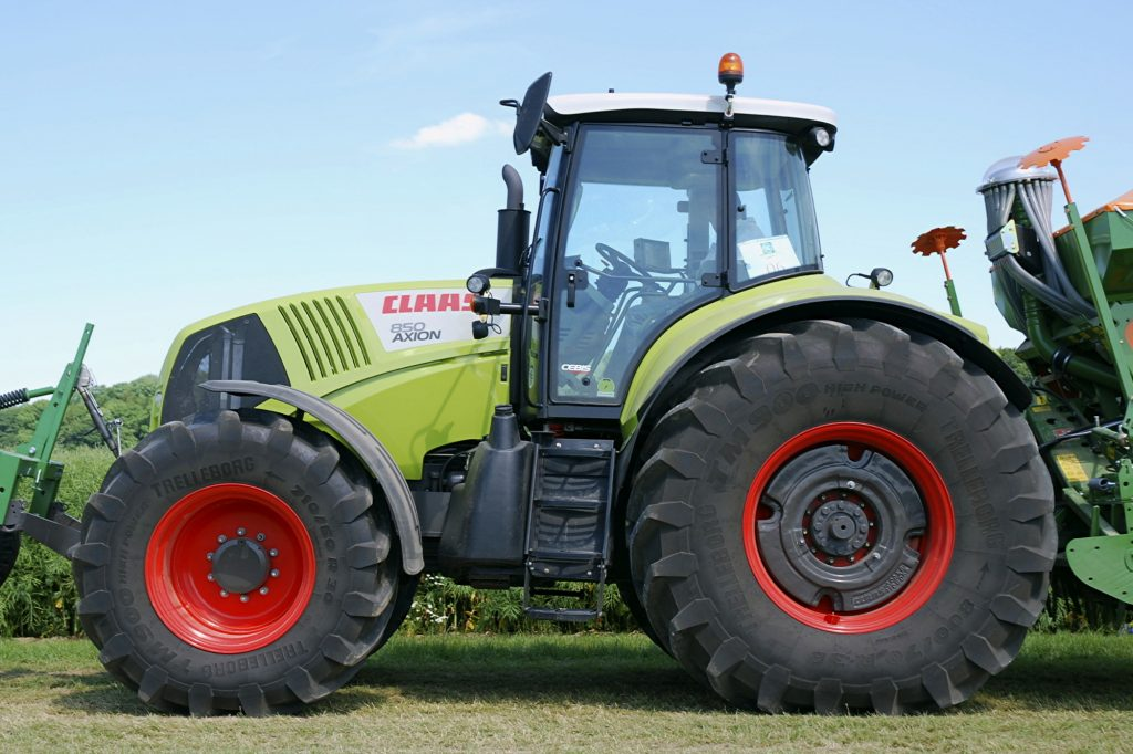 claas arion 400