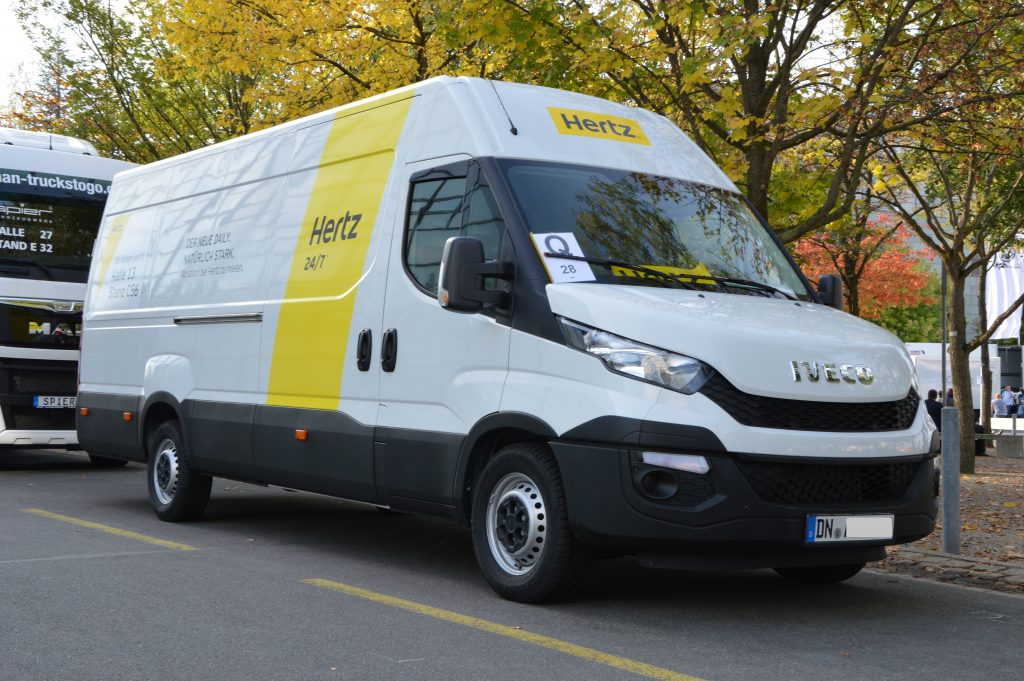 location camion benne 3.5t